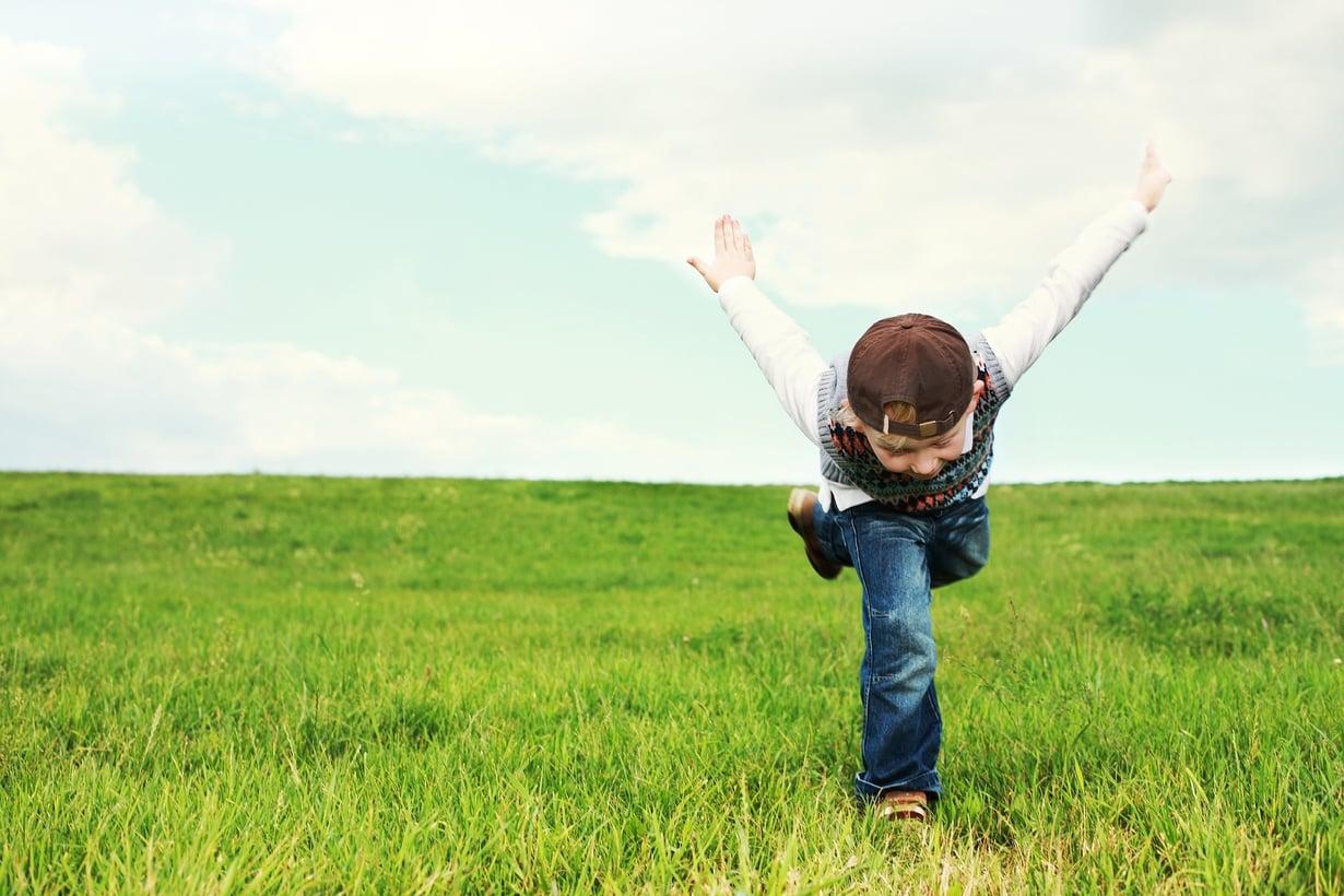 Jos lapsena ei ole saanut olla välillä kiukkuinen ja näyttää pahaa mieltä, voi aikuisenakin olla liian kiltti.
