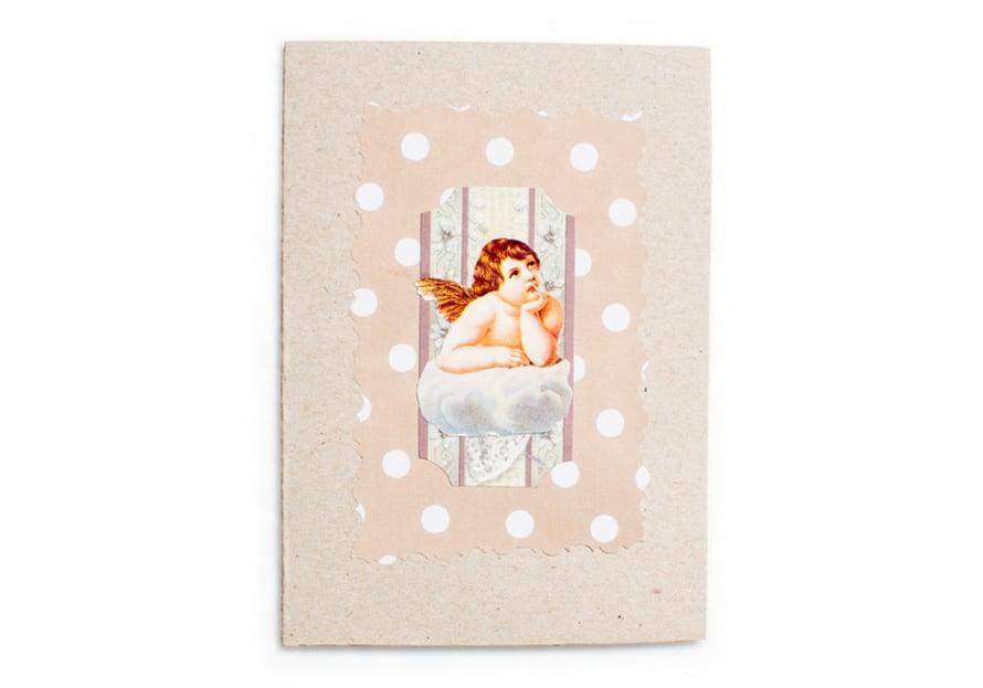 Piiamarillan joulukorteissa on usein enkelitä.