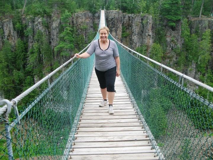 Riippusiltakuva on otettu Eagle Canyonissa Kanadassa kesälomareissulla 2011.