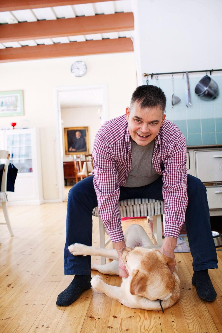 """""""Vilkkaus oli minulle jo lapsena luontaista"""", kertoo Juha Voutilainen."""