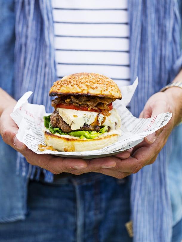 Kesällä paras hampurilaisbaari on oman pihan perällä.