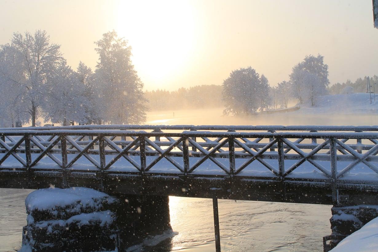 Jaana Paananen otti kuvan Olavinlinnaan vievästä sillasta.