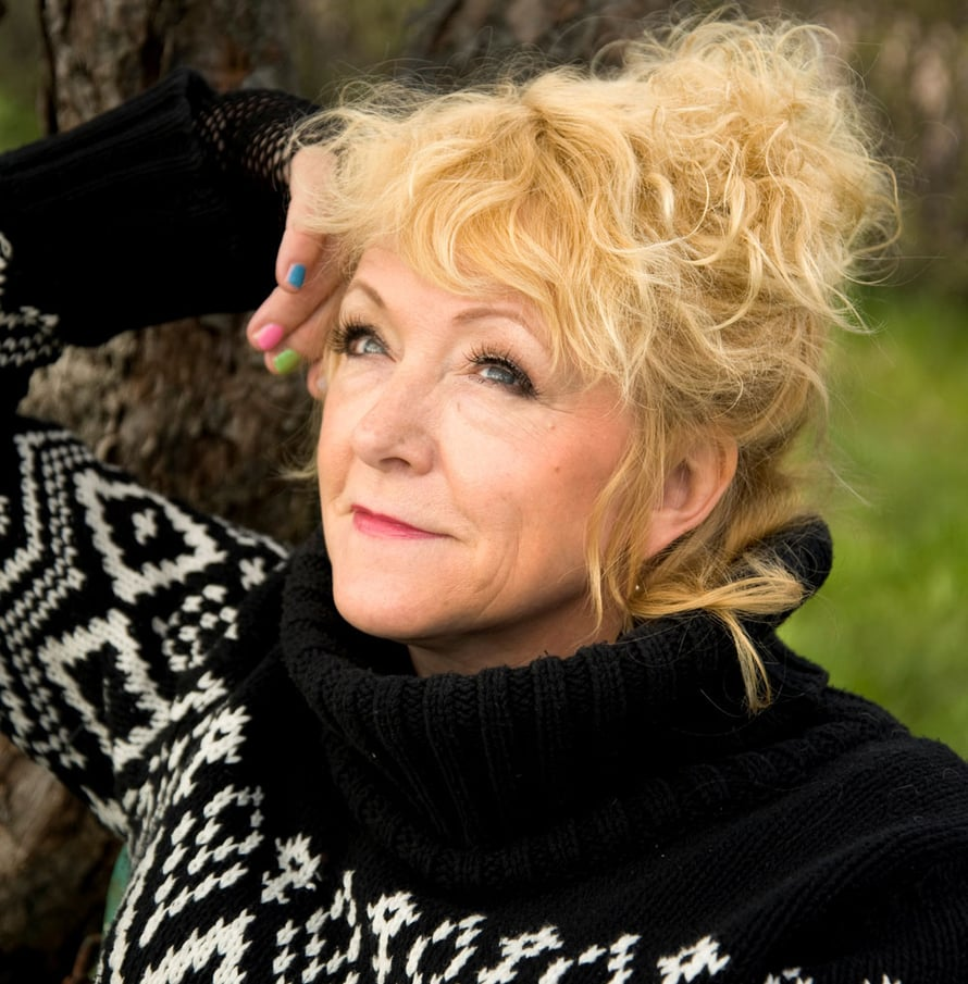Susanna Haavistolta ilmestyy pian levy, ja hänellä on myös Tässä iässä -konsertteja syys-lokakuussa.