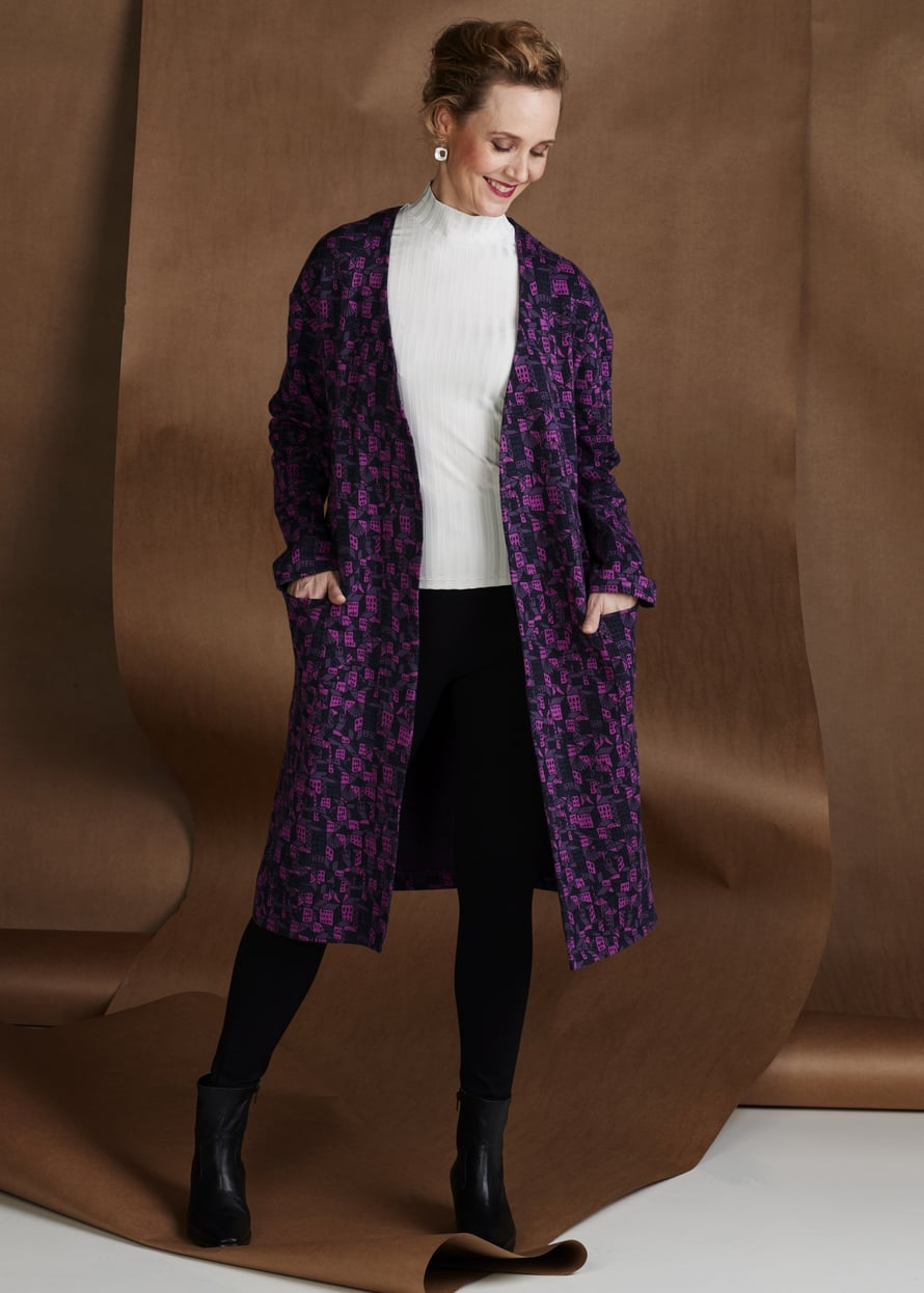 11 Violetti neulostakki