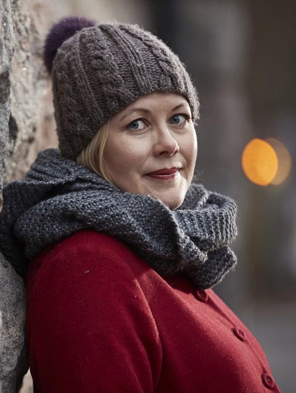 Yksilö- ja pariterapeutti Heli Suutari, 47, asuu Liègen kaupungissa Belgiassa mutta on eniten kotonaan Limingassa, lähellä lapsuusmaisemia. Tammikuussa ilmestyy Kaikki kääntyy vielä hyväksi -kirja, jonka 365 auttavaa ajatusta Heli kirjoitti alun perin vain itselleen.