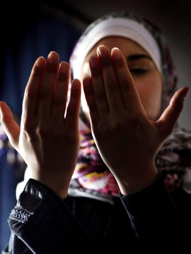 Zahra Al Take pystyy paastoamaan vain viikonloppuisin ja kamppailee siksi jatkuvan syyllisyyden kanssa.