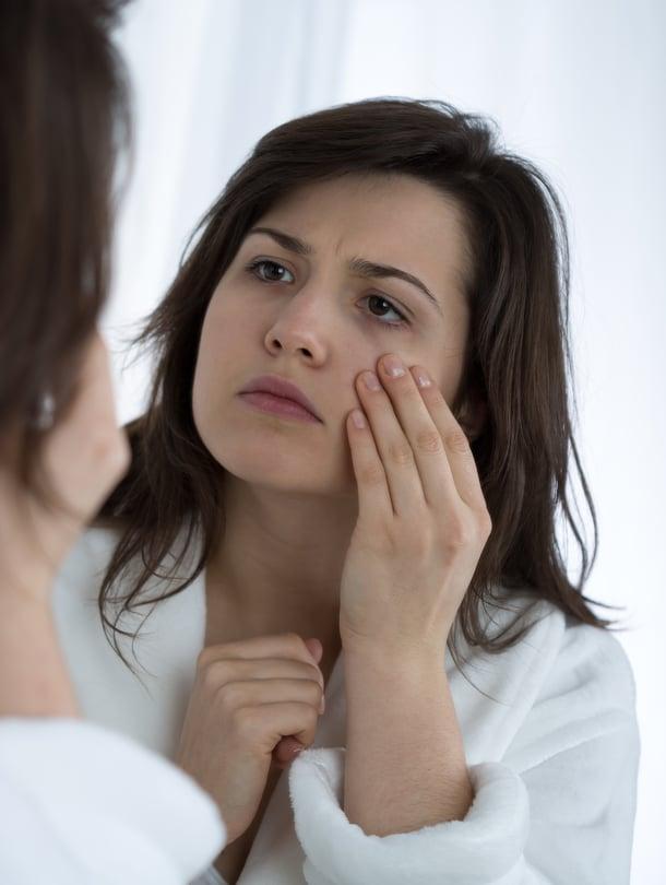 Stressaantuneena keho keskittyy stressaavasta tilanteesta selviämiseen ja iho saattaa jäädä vähemmälle huomiolle.