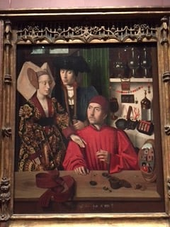 Petrus Christus ja 1400-luvun lopun kultasepän paja. Peilistä heijastuvat kaksi miestä ja haukka kuvastavat ahneutta ja turhuutta, mistä seppäkin kyllä kai hyötyi.Tämän edessä seisoin kauan.