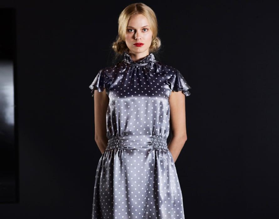 Viktoriaaninen glamourmekko onnistui Tiian mielestä täydellisesti mallimestari Marja Siltalan taitavan kaavoituksen ansiosta. Ohje Suuri Käsityö 1/2014.