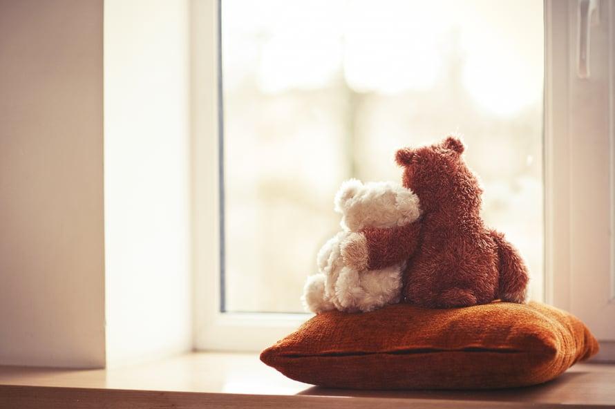 Vaikka uupunut karttelisi muiden seuraa, häntä ei kannata jättää yksin. Se usein vain pahentaa oloa.