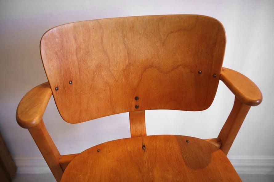Domus-tuolin tyyli kestää hyvin aikaa. Kuva Juhani Niiranen
