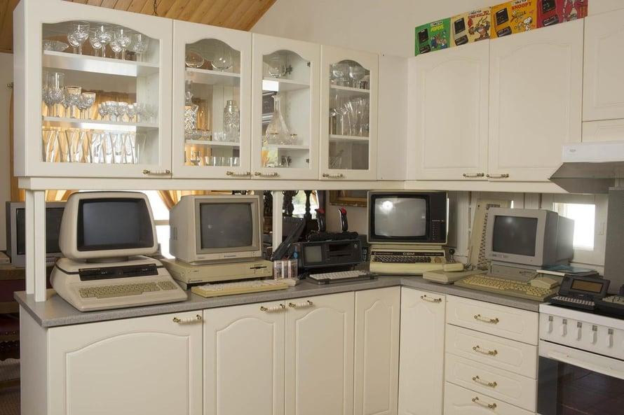 Keittiöön pääsivät harvinaisimmat Commodoret ja Atarit.