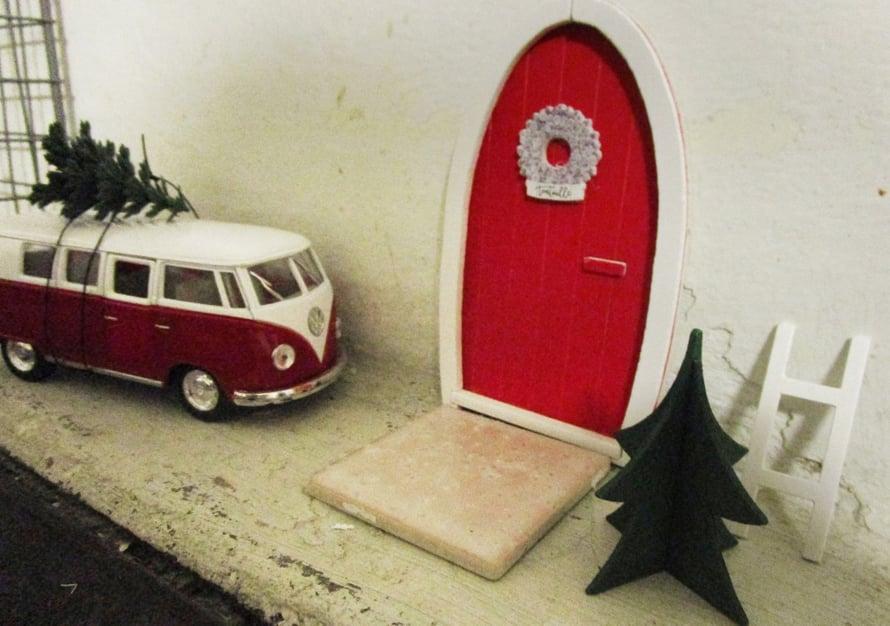 """""""Äitini toi ovitarpeet tuliaisena ja VW Kleinbussi ilmestyi kuin tyhjästä tuomaan joulukuusta."""" Minna Myllymäki"""