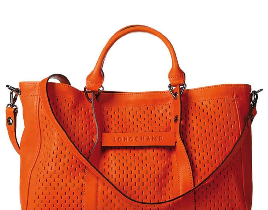 Punosmainen pinta on syntynyt rei'ittämällä. Longchamp.