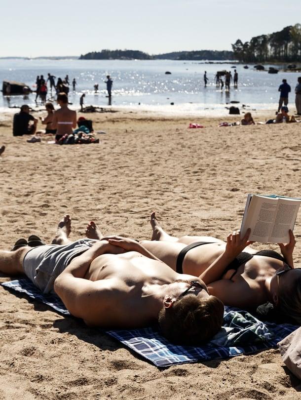 Kauniista säästä nautittiin Helsingin Lauttasaaressa jo toukokuun puolessavälissä.