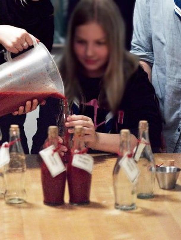 Salaattikastikkeen ohjeen antoi Helsingin Munkkiniemessä toimiva partiolippukunta Kirisiskot.