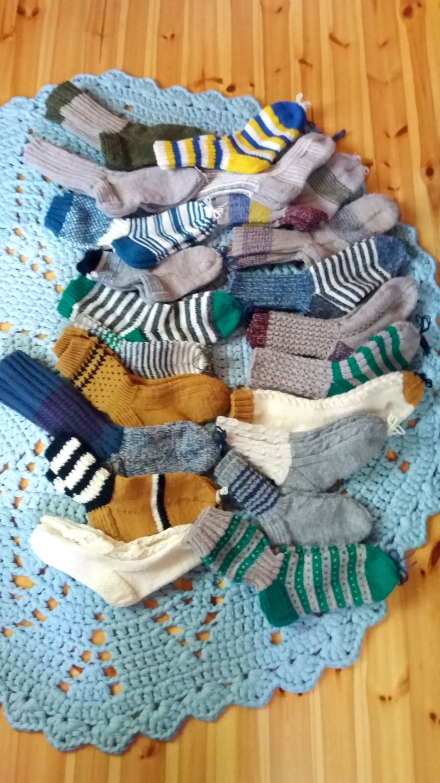 Mikä ihana määrä sukkia!