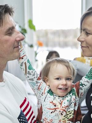 Pasin ja Gretan mielestä hienointa on nähdä matka vauvasta aikuiseksi ja saada tuntea nämä hienot, kasvavat tyypit. 2-vuotiaasta Vildasta tuli kesäkuussa isosisko, kun perheen kuopus syntyi.