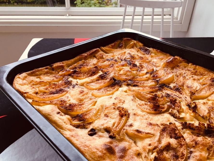 Omenaviipaleet pannarissa on oiva omenapiirakan korvaaja, jos aikaa leipomiseen ei ole.