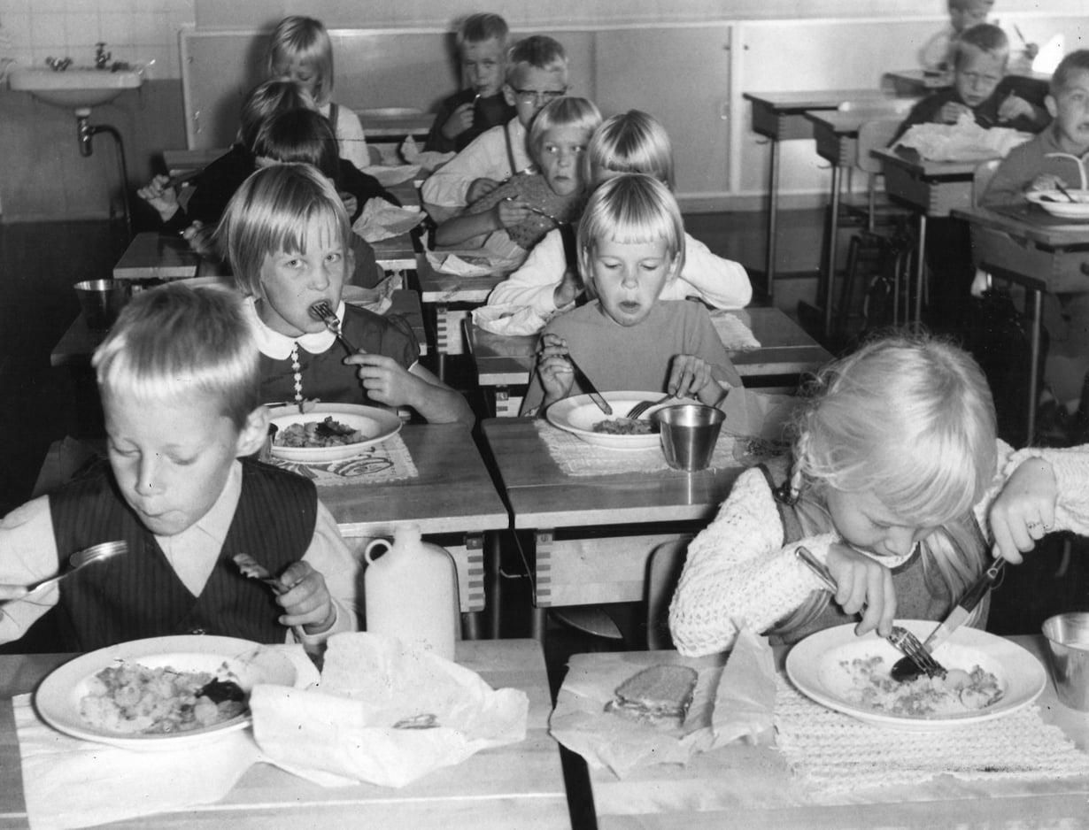 Tilliliha, veripalttu, kanaviillokki – vieläkö maistuisi?  Kuva: Sanoma-arkisto