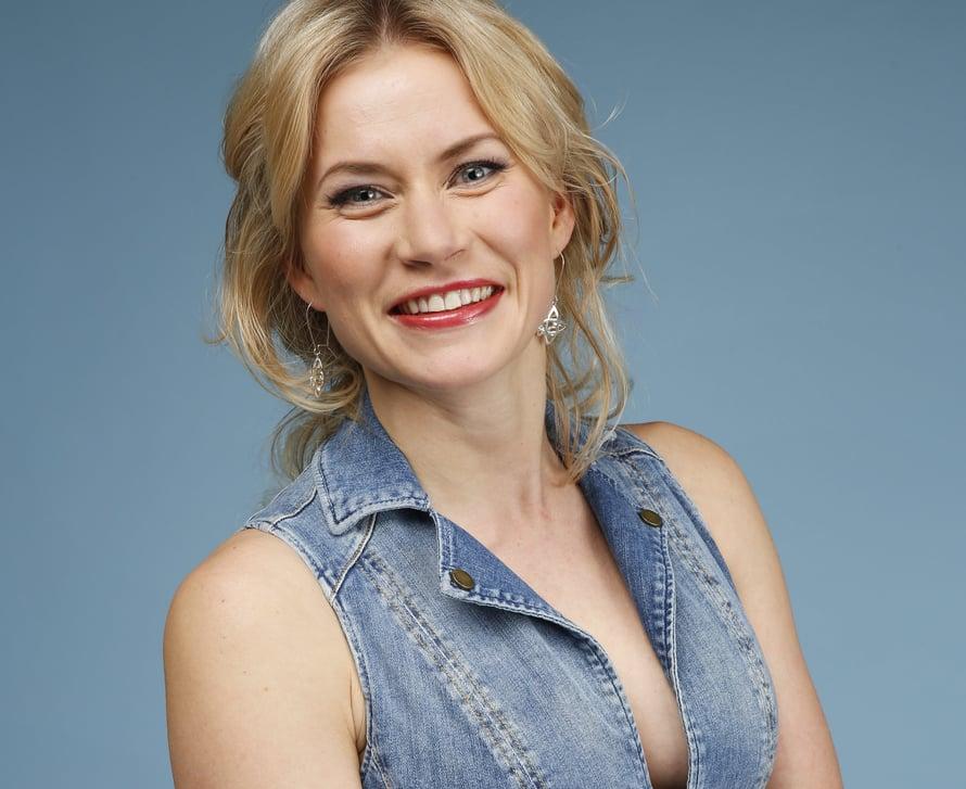 Näyttelijä Minka Kuustonen kertoi Ilta-Sanomille, että perhe kasvaa helmikuussa.