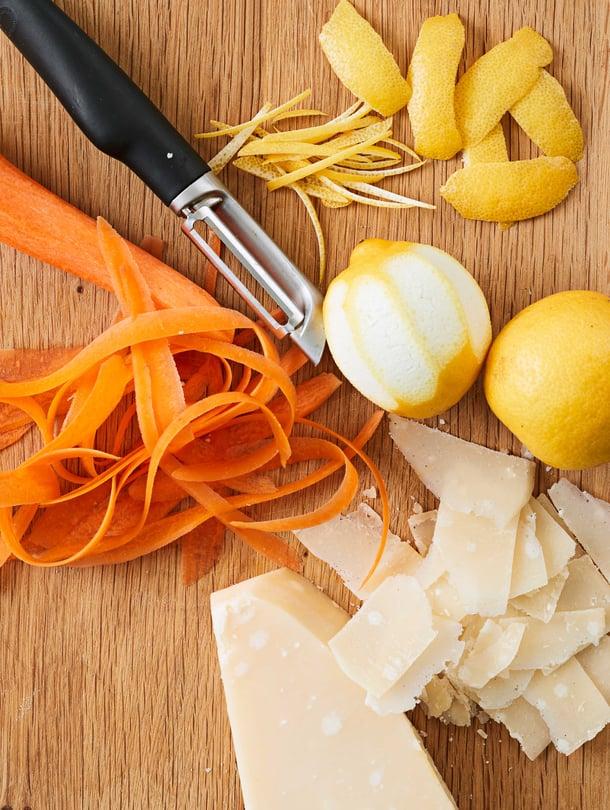 Hyvä kuorimaveitsi säästää kokkia. Mitä isompi arkikattila, sitä suurempi syy ostaa kunnon veitsi.