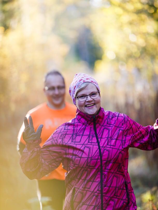 Lea Lottonen, 51, asuu Lappeenrannassa miehensä Akin ja kahden kissansa kanssa. Molempien harrastus on lenkkeily. Lealla on kuusi lasta.