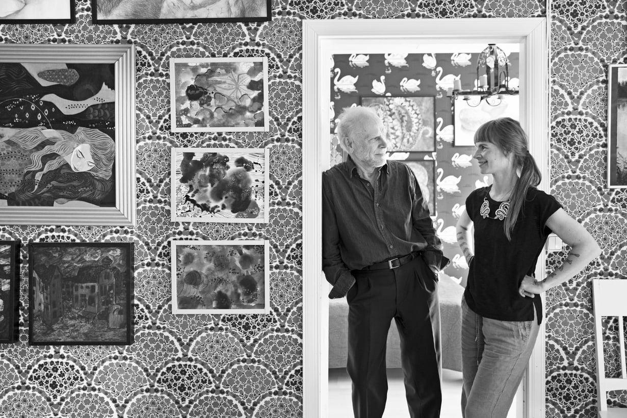 """""""Laura on luova. Vanhan talon osto Porvoosta oli yksi hänen tempauksistaan. Ihmettelin sitä aluksi, mutta nyt ajattelen, että se oli hyvä ratkaisu"""", oopperalaulaja Jorma Hynninen sanoo."""