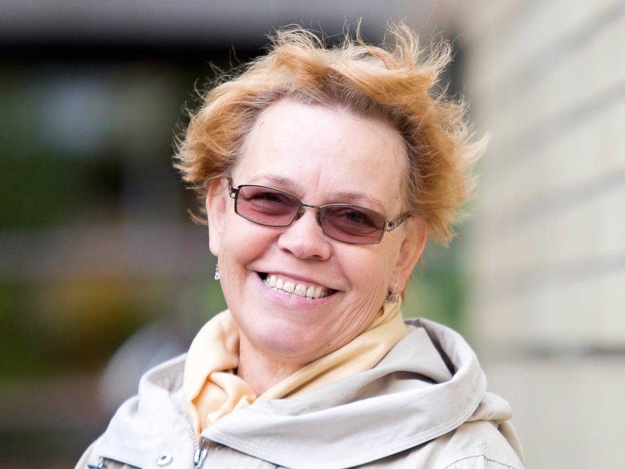 Takuu-Säätiön toiminnanjohtajana Leena Veikkola huomasi, että ihmisen toimiin vaikuttaa paljon muukin kuin järki.