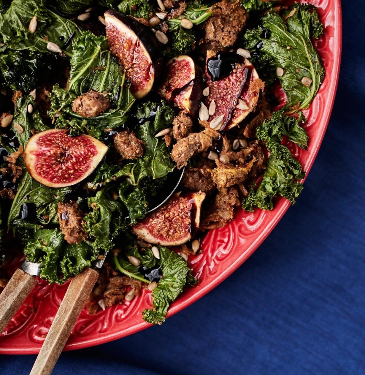 Nyhtökauraa joulupöydässä? Kyllä! Lämmin salaatti yhdistää rapean, makean ja suolaisen.