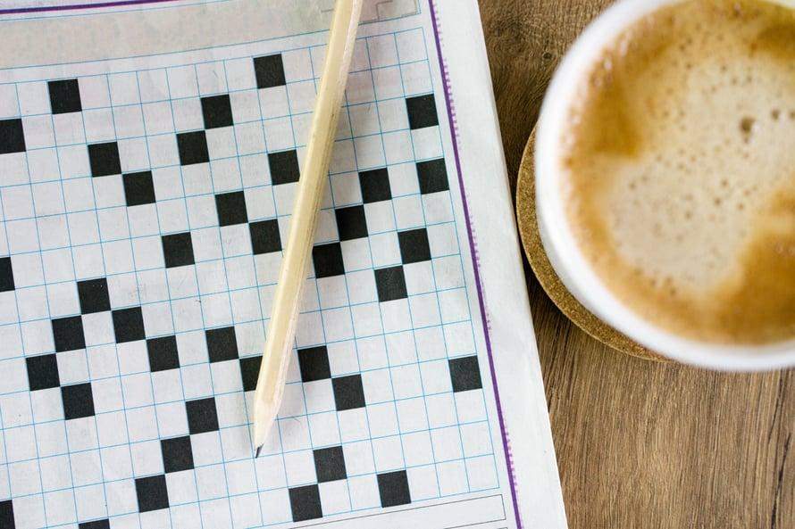 Kohtuullinen kahvin nauttiminen voi auttaa hidastamaan muistin heikkenemistä. Suomalaisen tutkimuksen mukaan niillä, jotka joivat 3–5 kuppia päivässä, oli 65 prosenttia pienempi riski sairastua muistisairauteen. Lue lisää vinkkejä Kodin Kuvalehdestä 7/2021.