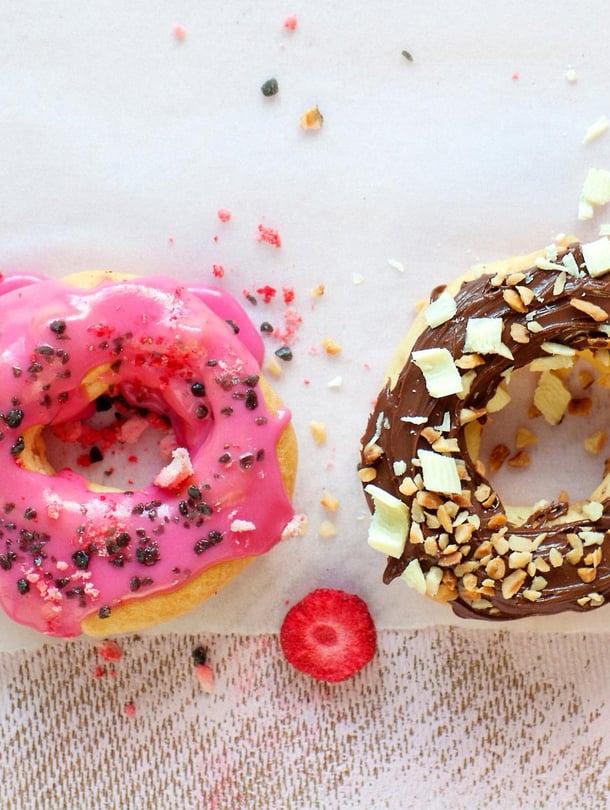 Tuulihattujen tapaan valmistetut donitsit eivät ole terveysherkku, mutta öljyssä kylpeville vappumunkeille ne antavat ihanan hattaraisen vaihtoehdon.