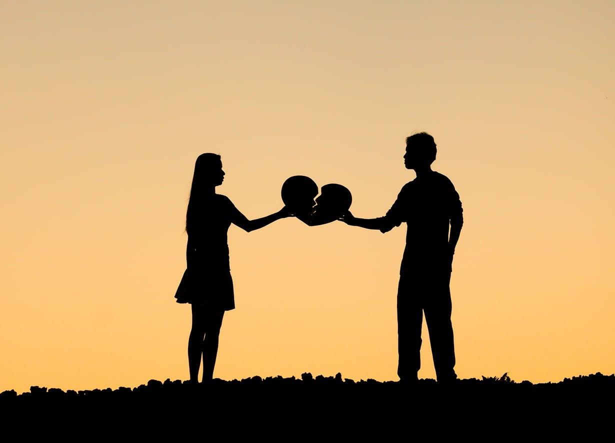 Se, että parisuhteessa ei koskaan riidellä, ei välttämättä kerro, että suhde olisi onnellinen.