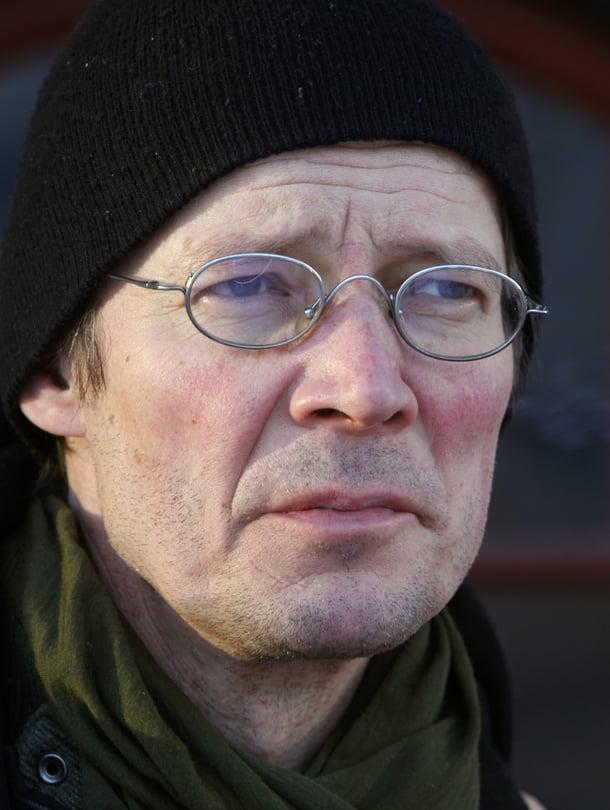 Kirjailija, teatteriohjaaja ja näytelmäkirjailija Juha Hurmeen Niemi-teos käsittelee Suomen historiaa.