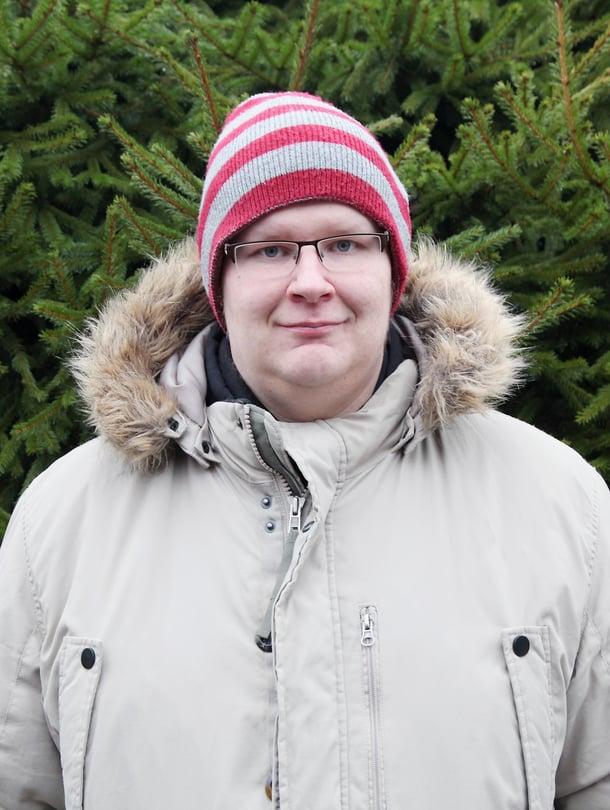 """Kyrössä asuva Janne Hirvensalo sai entiseltä tyttöystävältään pipon, joka on tärkeä yhä. """"Hän valitsi sen juuri minua varten."""""""