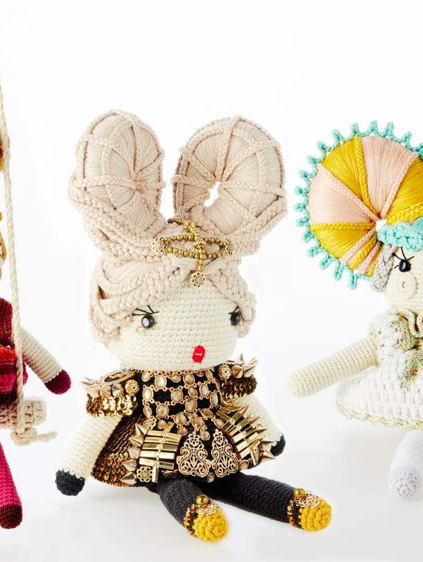 Lettinutturan rakenteiden miettiminen vaati paljon pähkäilyä. Soturiprinsessan tyylissä on vaikutteita Dolce & Gabbanan muotinäytöksistä ja Elisabet I:n asuista. Tikkarikampauksessa Annariikka halusi hyödyntää jämälankoja.