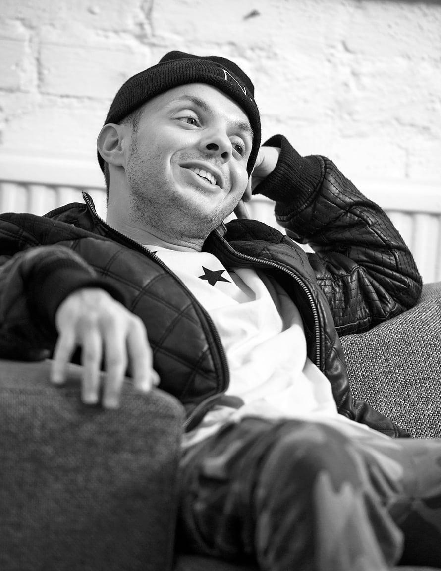 Uniikki eli Dan Tolppanen (s. 1981) on suosittu räp-artisti ja yksi Rähinä Records -yhtiön perustajista. Aloitti uransa Kapasiteettiyksikkö-yhtyeen solistina 13 vuotta sitten. Soolouralle siirtyessään hän otti käyttöönsä taiteilijanimen Uniikki.