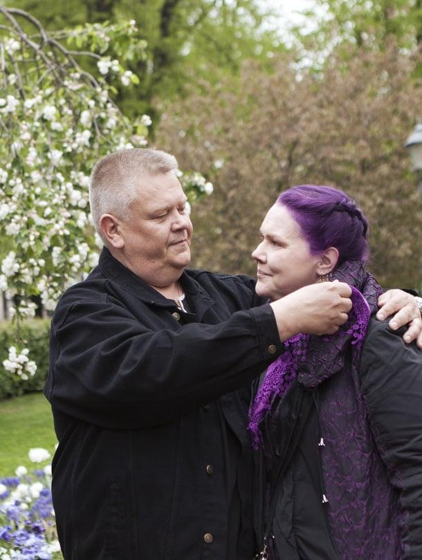 Suomen huutokauppakeisari Aki Palsanmäki ja hänen vaimonsa Heli Palsanmäki ovat pitäneet yhtä yli kymmenen vuotta.