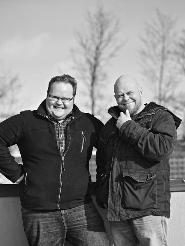 """Lauri (vas.) ja Kalle Lähde ovat aina olleet läheisiä. """"Mutta mistään emme toisillemme uskaltaneet puhua ennen kuin raitistuin"""", Kalle sanoo."""