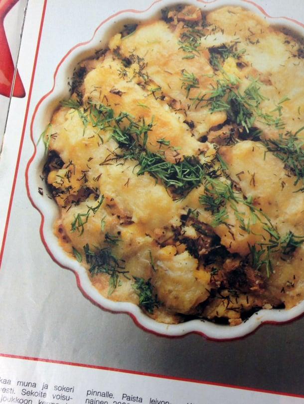 Lohipiirakan resepti on alun perin julkaistu Kodin kuvalehden Leivo joulu kotiin -ruokaliitteessä vuonna 1987.