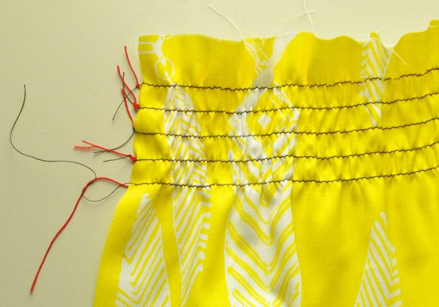 Päättele langat huolellisesti solmien. Älä leikkaa langanpäitä kokonaan pois.