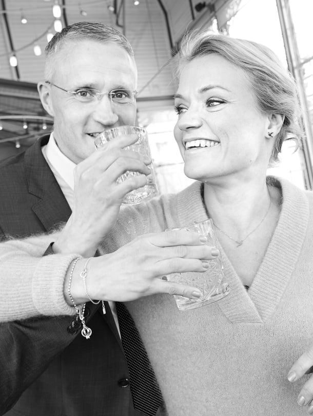 """""""Vaikka Jarno pyörii työkseen valtionjohtajien ja EU-supermiesten kanssa, hän ei koskaan keuli saavutuksillaan. Minusta hän saisi vähän keuliakin"""", Maaret sanoo."""