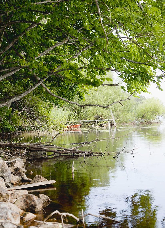 Talon alapuolella on Bodan järvi, jossa perheellä on tapana ravustaa.