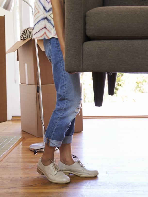 Mukaan nuoren omaan kotiin sohvan lisäksi ainakin sulakkeita ja tärkeitä taitoja.
