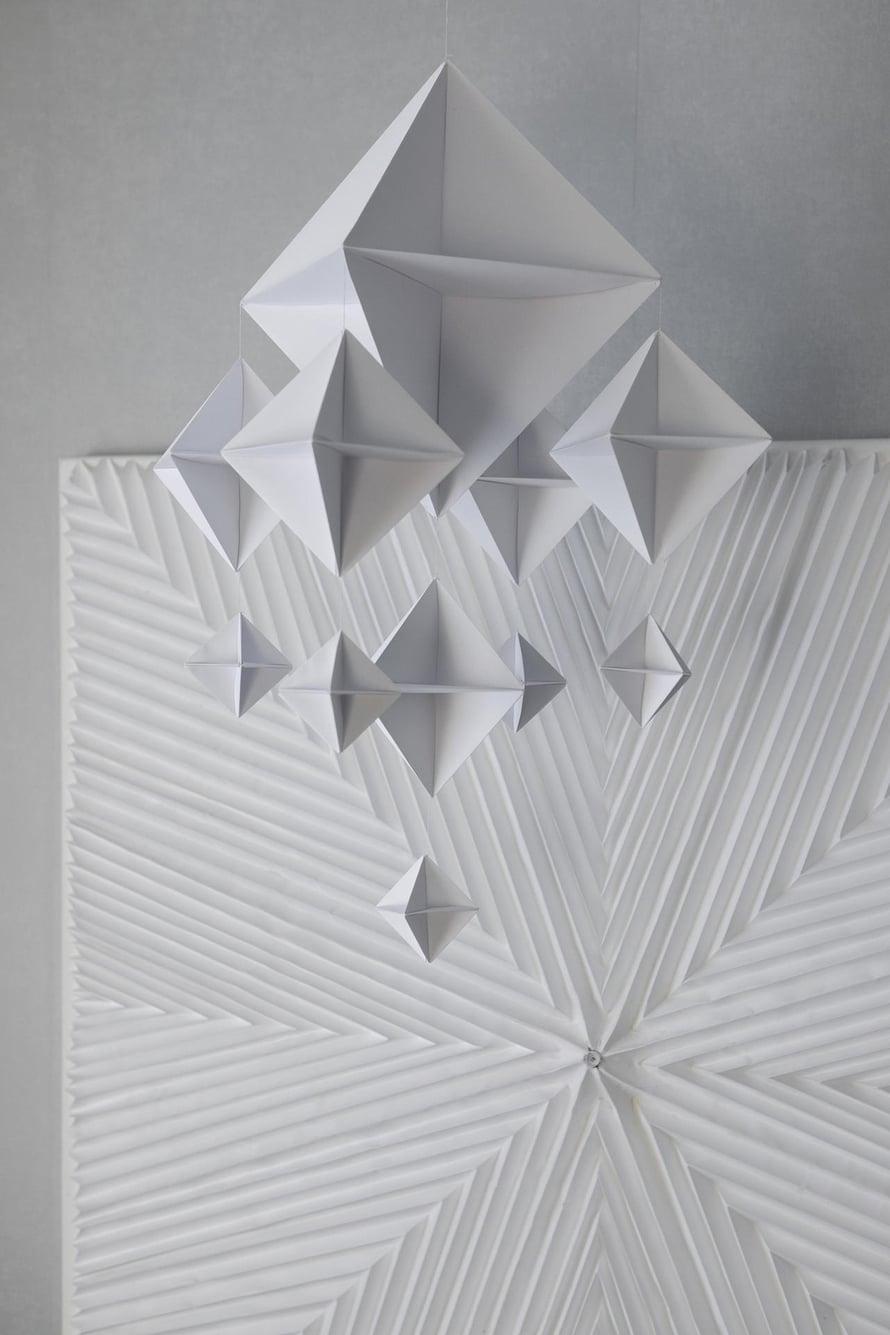 Sirkka kehitti itse origamihimmelin ohjeen.