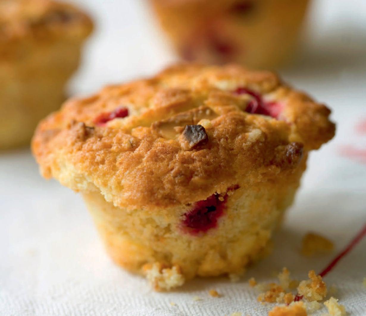 Kirpeä karpalo on mainio lisä makeissa muffineissa.