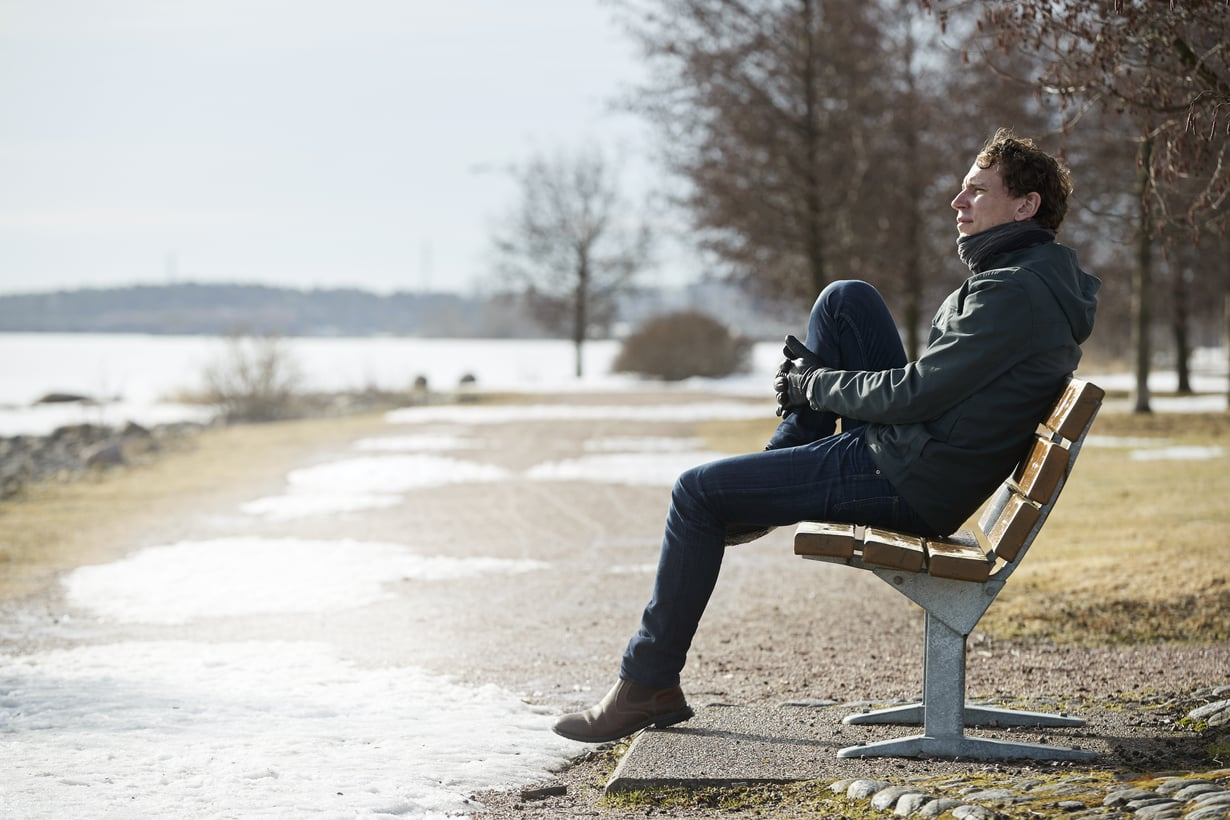 """""""Vanhemmuus kuulostaa yhteiskunnallisessa keskustelussa usein raskaalta ja tylsältä ja lapset vähän vaivalloiselta massalta. Se puhe surettaa ja suututtaakin"""", Juha Itkonen sanoo."""