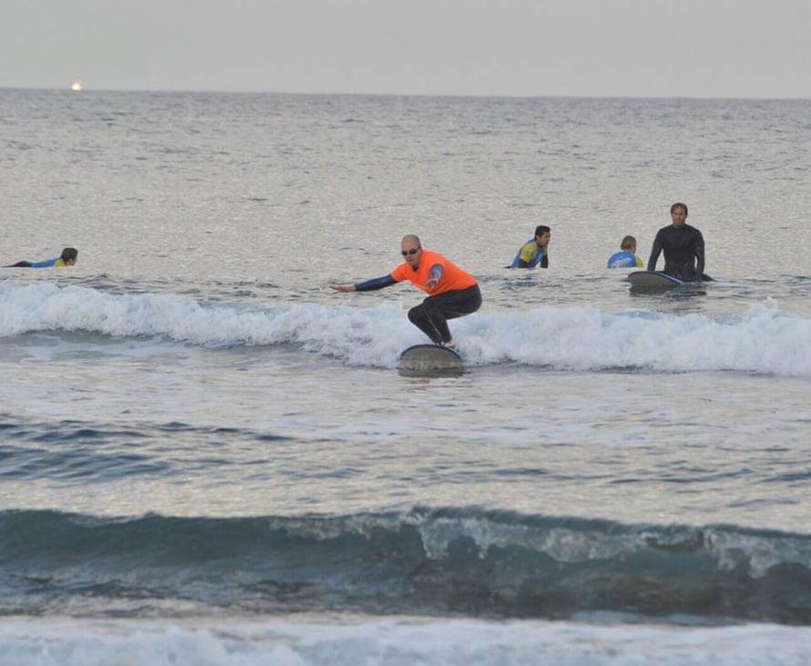 Surf tyttö dating
