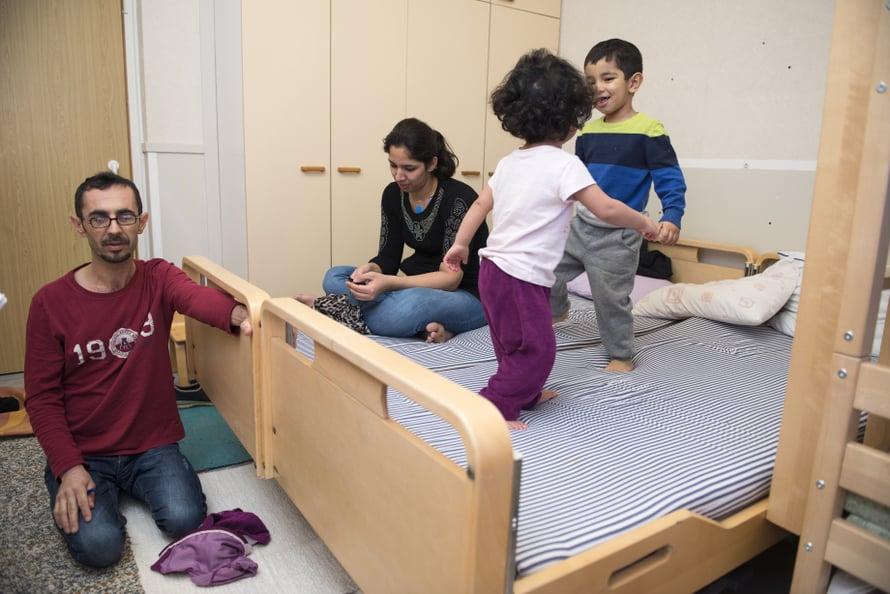 Ahmad Mukhaar Jafar ja Zahra Soultani toivovat, että Sousan ja Haidar unohtaisivat rankan matkan Afganistanista Suomeen.