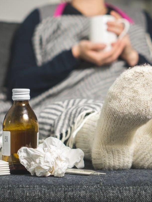 Ihmelääkettä flunssaan ei ole, mutta oireita voi onneksi helpottaa.